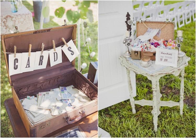 Suitcases Vintage Wedding Ideas2