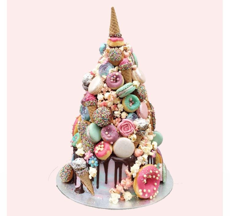 Chocolate-wedding-cakes-horn-of-the-unicorn
